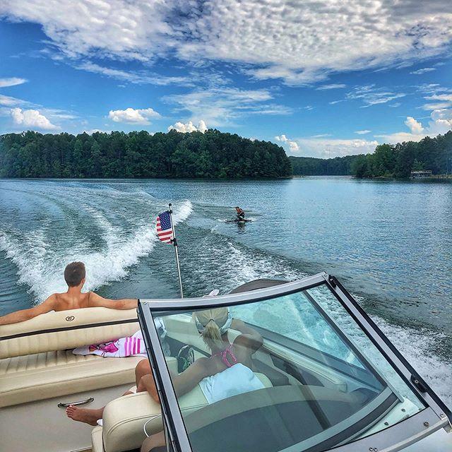 Lake life. Boat life. Kneeboarding!